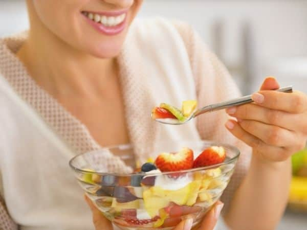 how to look better while eating fruits